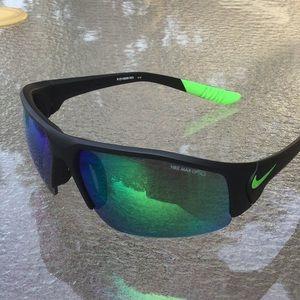 NIKE sunglasses men Authentic wrap around mirrored